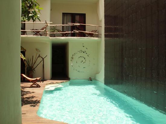 Kinbe Hotel Pool