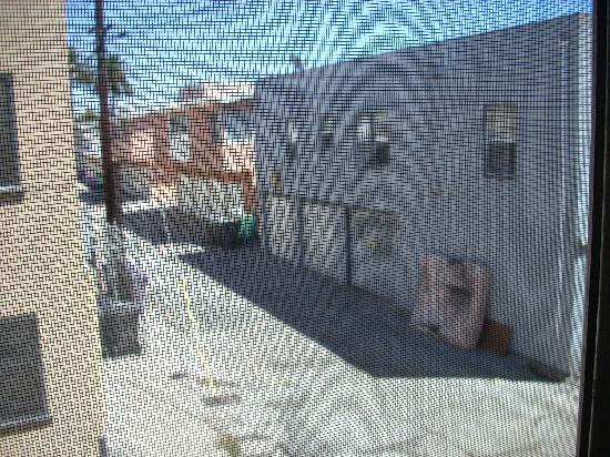 Vagabond Inn Convention Center Long Beach: my view