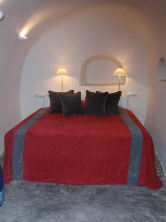 Andronis Luxury Suites: bed nook