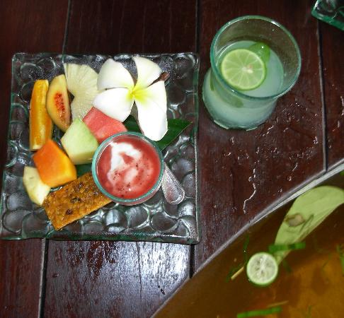 Maya Ubud Resort & Spa: Every spa treatment ends with this ...