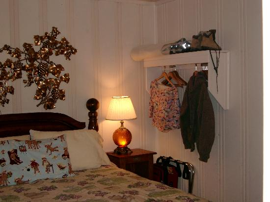 Fern Grove Cottages : Lovely bedroom