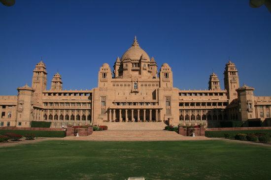 Umaid Bhawan Palace Jodhpur : The gardens