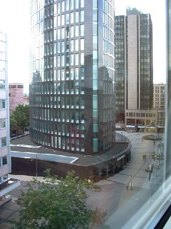 Mercure Hotel Dortmund City : The view from our first room at Mercure Dortmund City