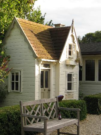 Bruern Cottages: The Childrens Playhouse