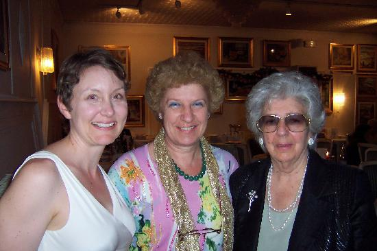 Hotel Eliseo Terme: Lori, Claudia, and Claudia's mother, all who helped us organize our marriage and wedding dinner