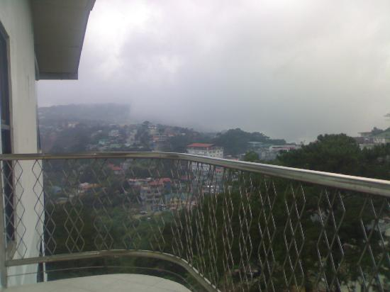 Balcony picture of summer place hotel baguio tripadvisor for Hotels with balconies