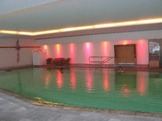 Das Ronacher - Therme & Spa Resort: Piscina coperta