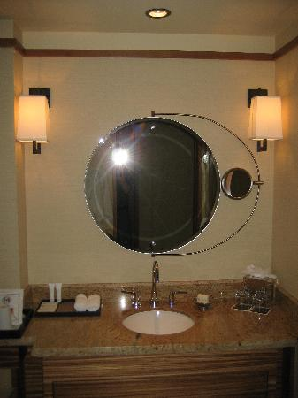 Swing Out Mirror With Magnifier On One Side Picture Of Pan Pacific