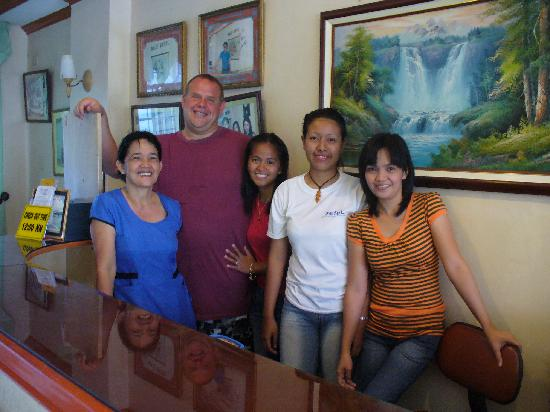 Rolet Hotel: Myself and the friendly staff