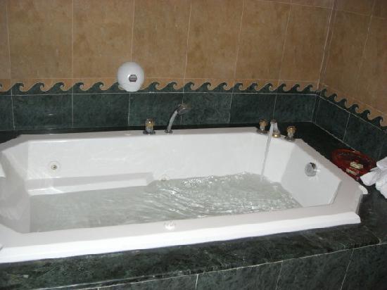 Hotel Excel Hammamet: jacuzzi