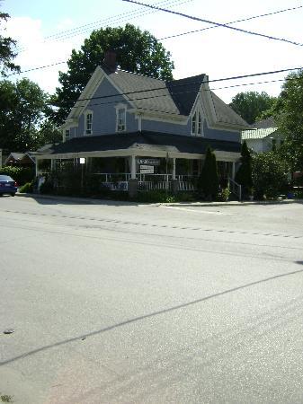 The Windjammer Inn: Pic of Inn