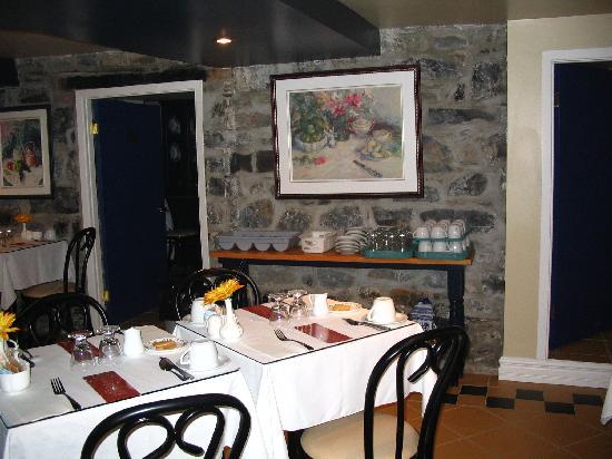 Hotel Le Clos Saint-Louis : Breakfast room