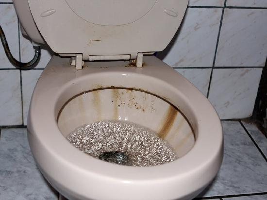 Chalet Hibiscus: Puajj !!! así nos entregaron el wc