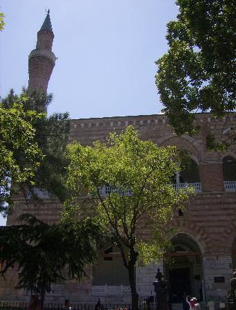 Demirci Hotel: facciata della moschea di Murat I