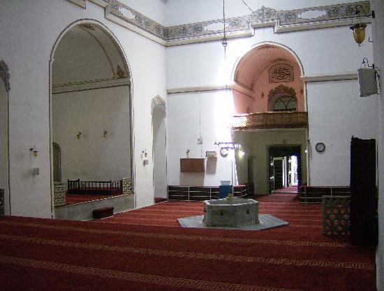 Demirci Hotel: Interno della moschea di Murat I (parte nord)