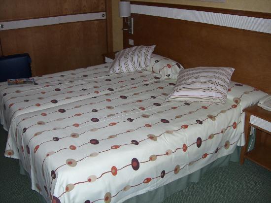 Hotel Lucana: Die Betten im Zimmer