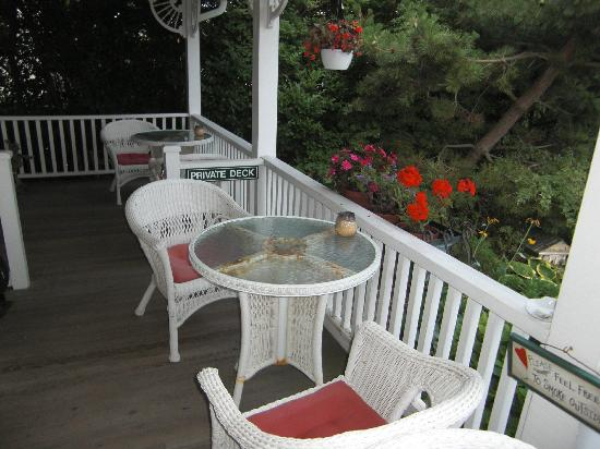 Sunrise Guest House: cute porch