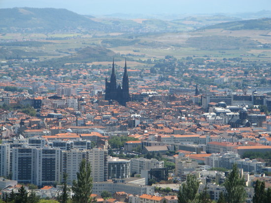 Clermont-Ferrand, Francia: Black Cathedral