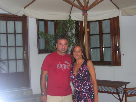 Villa Notos: io e fabio in veranda