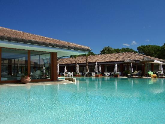 Heracles Village Hotel: La piscina
