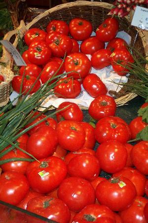 La Grande Epicerie de Paris: Bon Marche Tomatoes