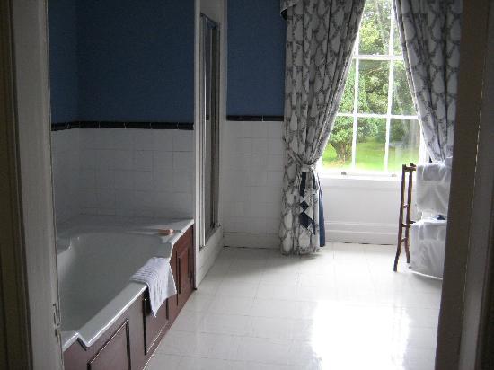 Beaufort House: bathroom, view 1