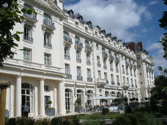 La chambre picture of trianon palace versailles a waldorf astoria hotel versailles tripadvisor - Hotel trianon versailles ...