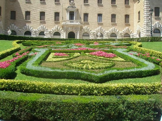 Vatican Gardens : Landscape in front of only government building