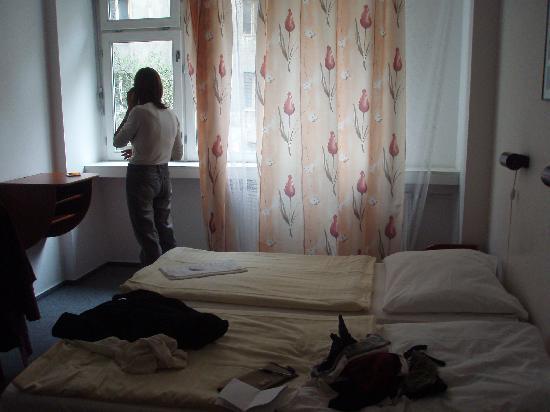 Pension 44: El interior de la habitación