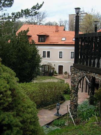 Pension Vetrnik: View of hotel/courtyard from the top of the steps inside the front gate