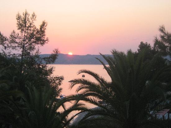 Alexandra Beach Thassos Spa Resort: Sunset from Roof top bar August 2008