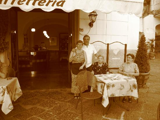 Panorama Santa Tecla Residence: Cafe Europa, Minori. The family Leone know how to look after you.