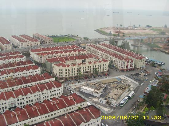 Seri Costa Hotel-Resort: View from Taming Sari Tower 2