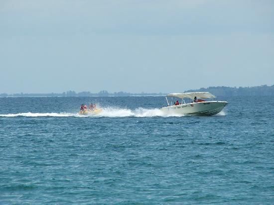 Borneo Survivor Resort: Banana Boat