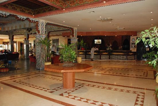 Zaki Hotel: Lobby