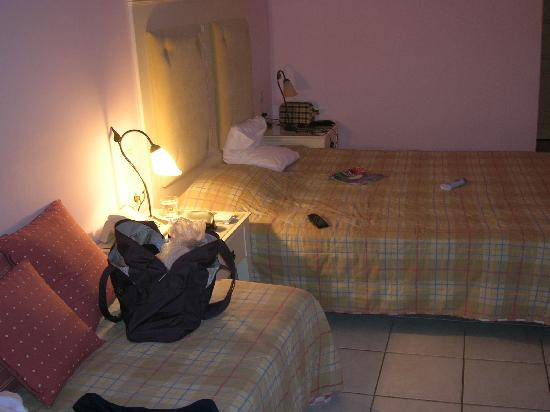 Pyrgi, Grèce : Room by night