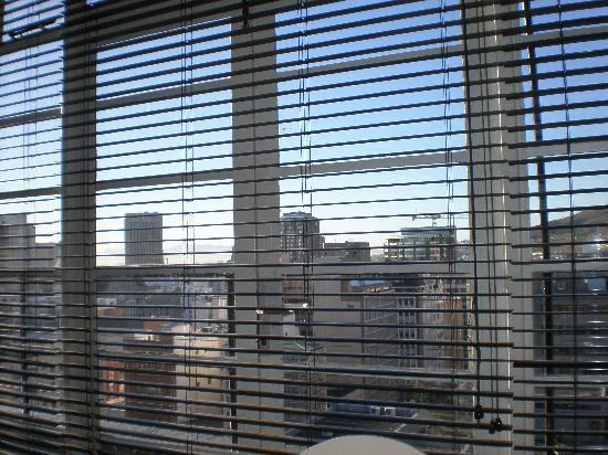 Manhattan Lofts: All Blinds Present and Correct!