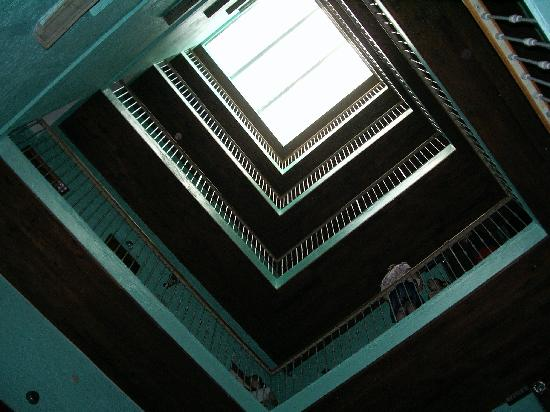 Hotel Juarez: looking up from the courtyard
