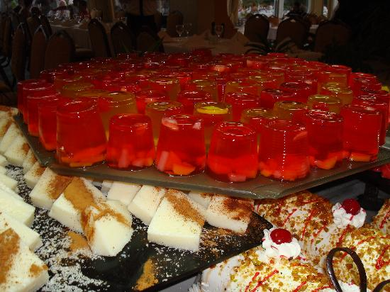Efes Restaurant: lot more cakes