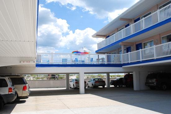 Ocean Front Motel: OceanFront :-)