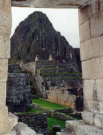 Machu Picchu, Perú: View from 'window' of Temple of the Sun