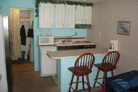 Fontainebleau Terrace: Kitchen area