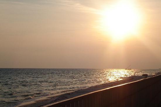 Fontainebleau Terrace: Sunset