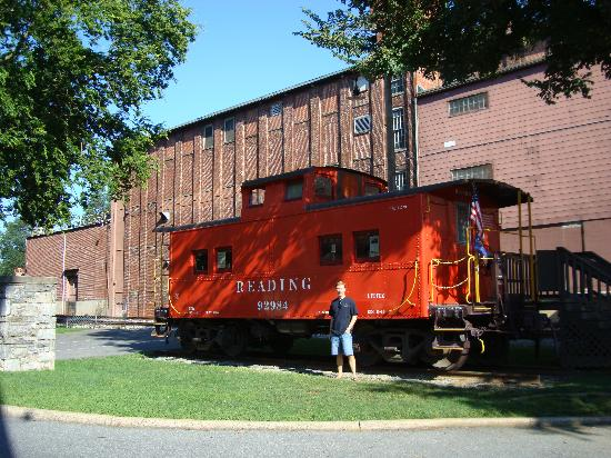 Lititz Springs Park: Caboose in Lititz Park