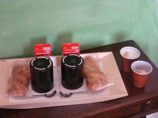 Casa Nuestra : Breakfast