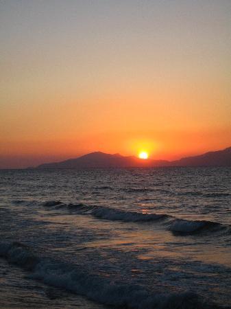 Tigaki Beach Hotel: tigaki beach sunset