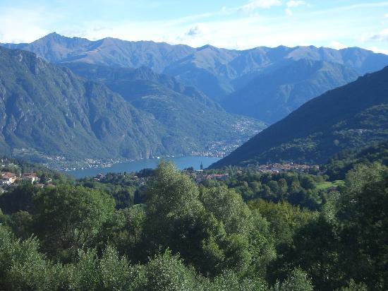 Castiglione d'Intelvi, Italia: Surrounding landscape