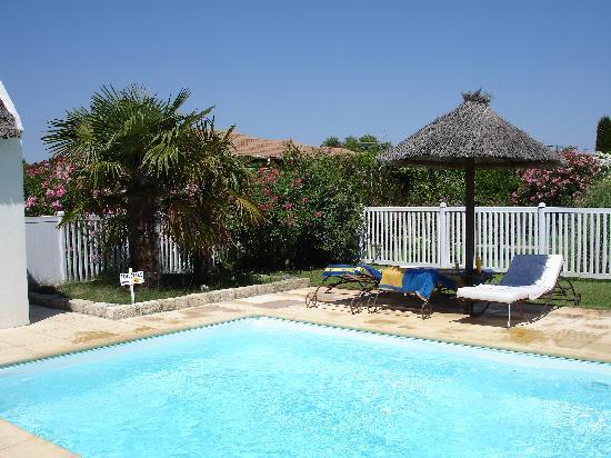 Hotel Lou Garbin: Depuis la piscine...