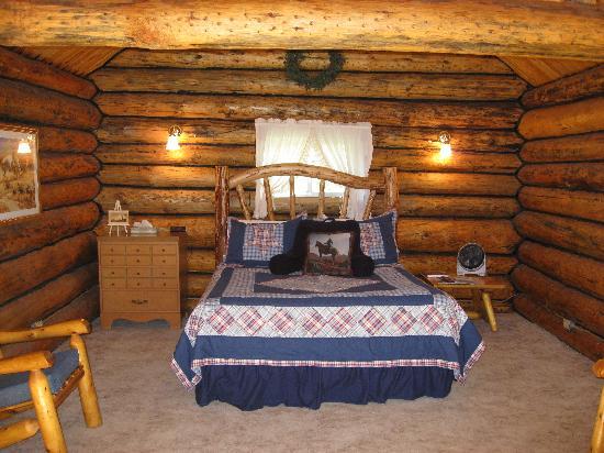 Inside saddlehorn log cabin picture of jjj wilderness