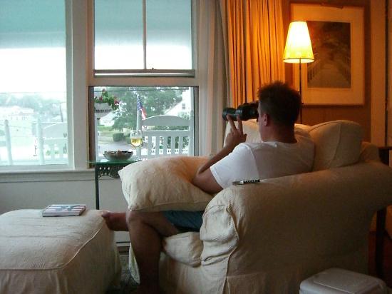 Beach & King Street Inn : viewing the beach with binoculars they had on hand!